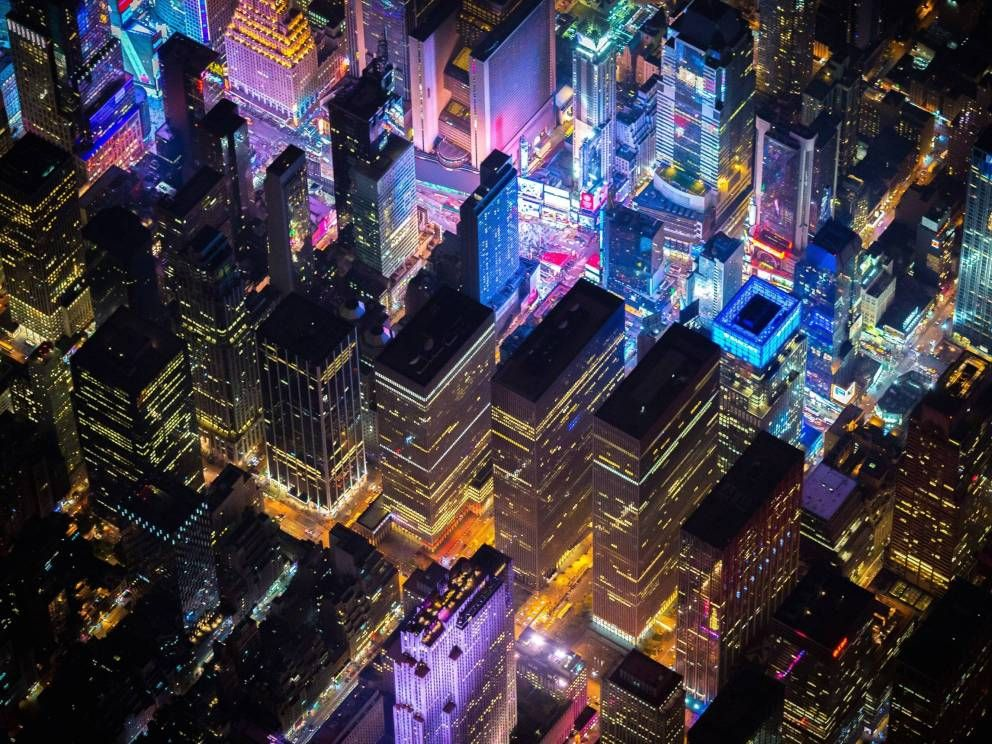 Vincent Laforet's Nighttime Photos Of NYC From Above  http://allday.com/post/2186-vincent-laforets-nighttime-photos-of-nyc-from-above-are-amazing