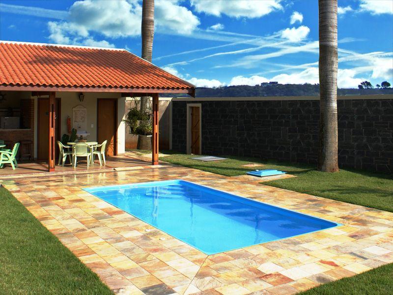 Projetos de piscinas de fibra lofts and patios for Albercas de patio