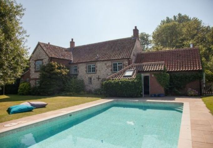 Enjoyable Pin On Holiday Cottages With Swimming Pools Download Free Architecture Designs Embacsunscenecom