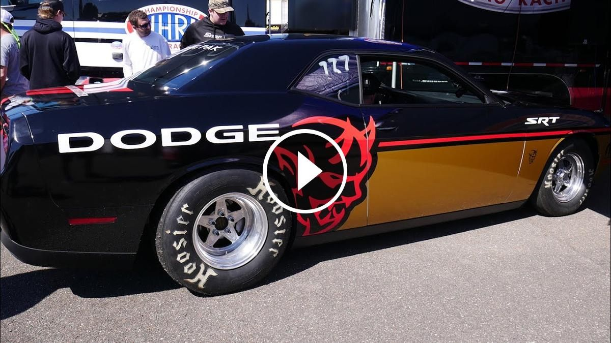 A few days ago at gatornationals dodge has unexpectedly revealed their 2018 dodge challenger srt