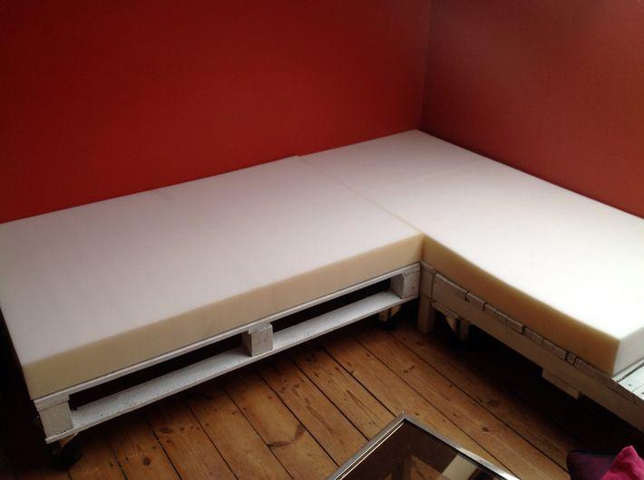 DIY étape 2/2] Mon canapé en palette | Bricolage, Mousse et Canapés ...
