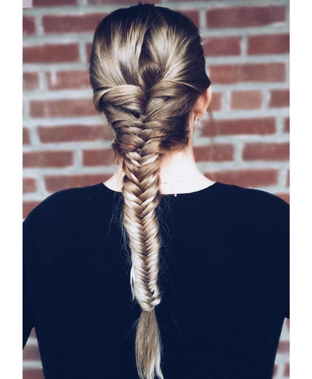 Fishtail Braid On Long Balayage Hair   Easy fishtail braid, Fish ...