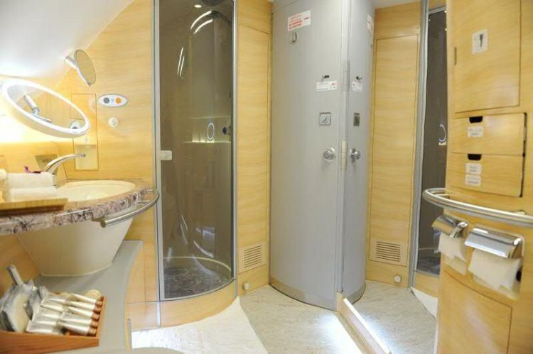Emirates Airlines Shower Spas On Board The Airbus A380youve Got To Be Kidding