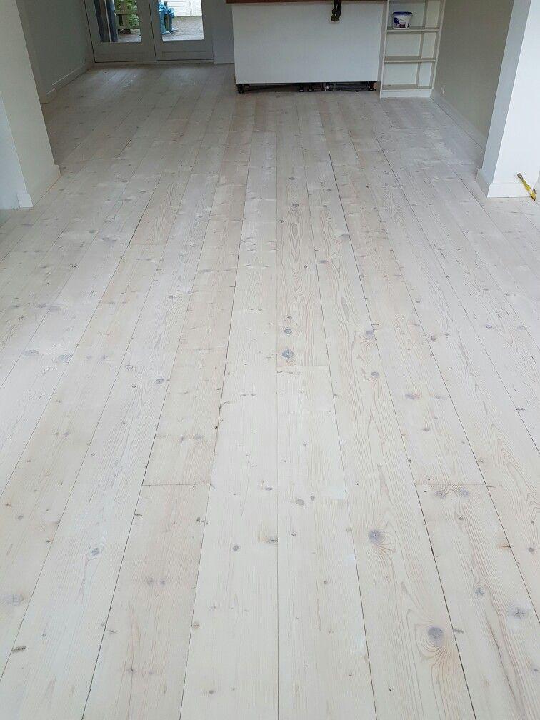 Grenen vloeren afgewerkt met olie | Vloeren, Houten vloer