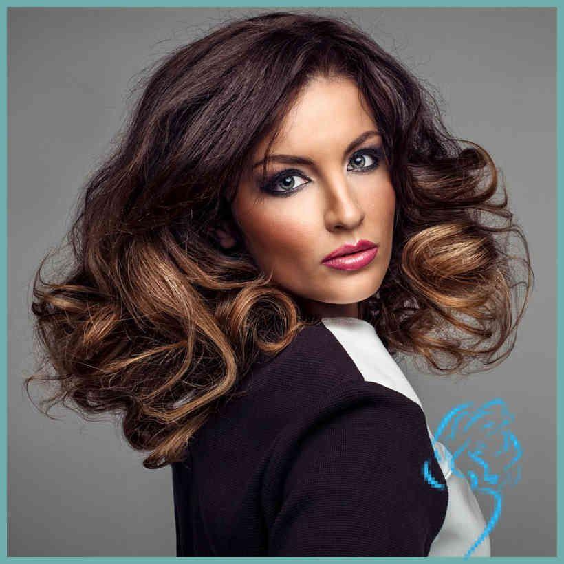 Schicke Frisur für lange lockige Haare - Braune lange
