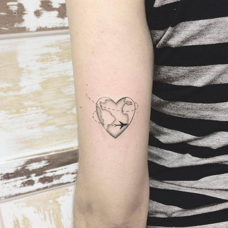 Heart Globe Tattoo Artist: 横山 Kristie Yuka 23 - Tattoo Artist - Architect - Brasil - SP 🖤