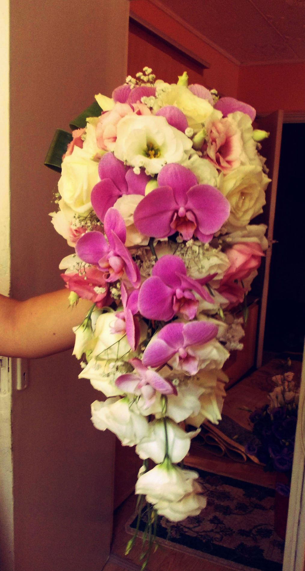 Lisianthus and orchid the best combination to make a beautiful
