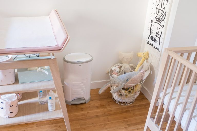 Mes indispensables b b 0 6 mois chambre b b les - Poubelle chambre bebe ...