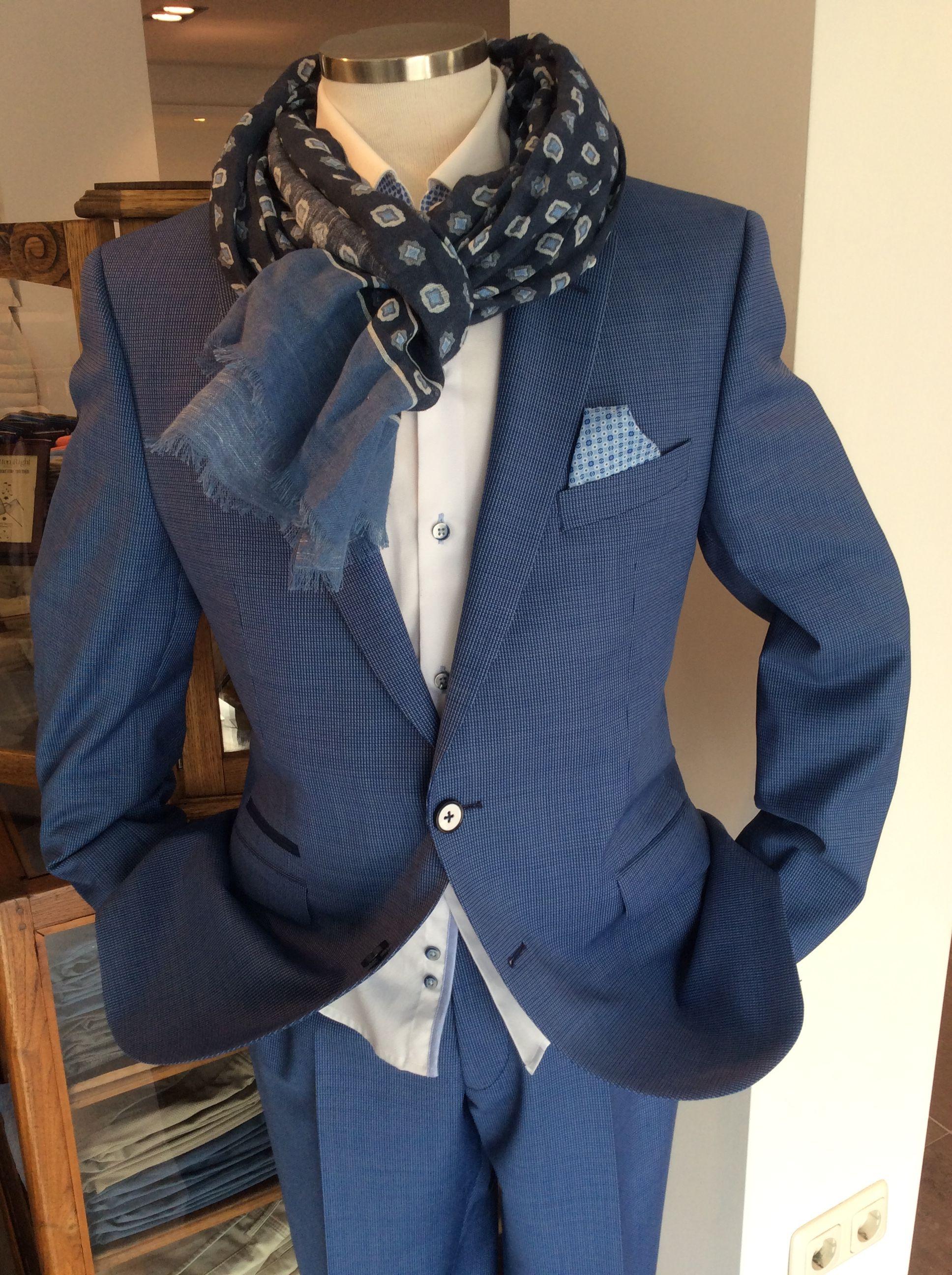 """""""Suit up!"""" @ Van Weert Weekend"""