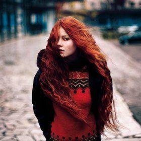 Vibrant red   Rotes haar, Schöne lange haare, Rote haare