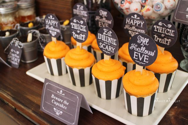 """""""Eat, Drink & Be Scary"""" Chalkboard Halloween 