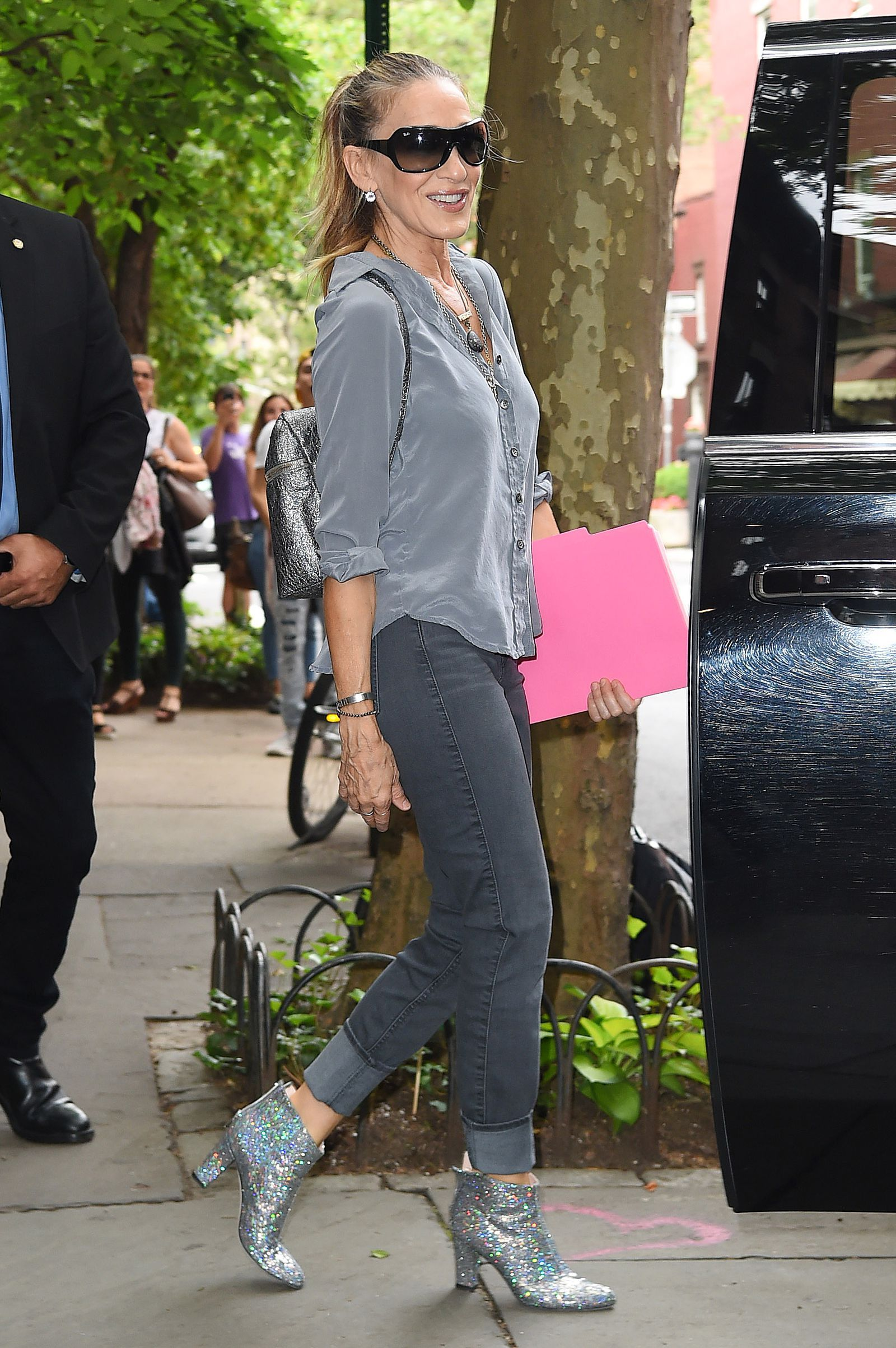 newest ee4ab 2bb1c Sarah Jessica Parker ruba le scarpe a Victoria Beckham? OPS ...