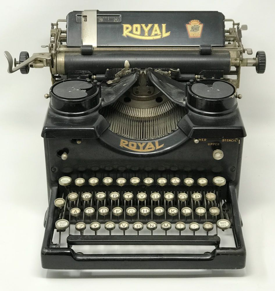 Vintage 1930 Royal 10 Typewriter Beveled Glass Panels Glass Keys X 987724 Sjt Royal Typewriter Royal Typewriter Vintage Vintage Typewriters
