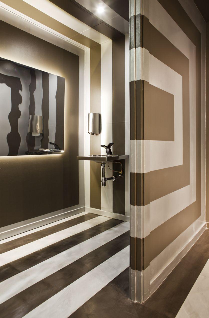 Cuarto de baño público diseñado Carmen Fernandez y Xavier ...