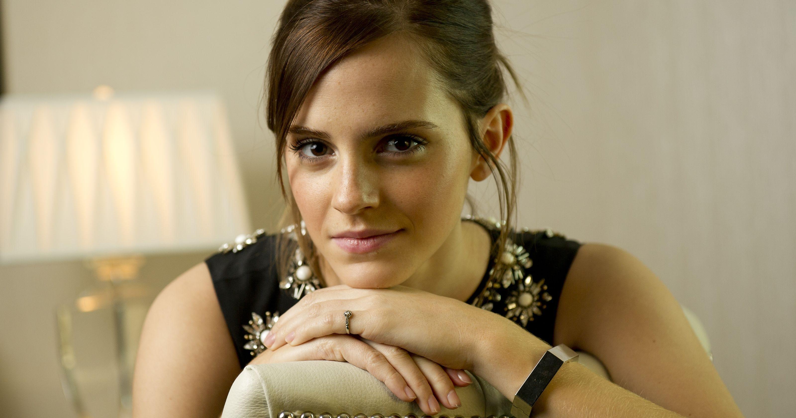 Emma Watson R Prettygirls Emma Watson Emma Eye Cream For