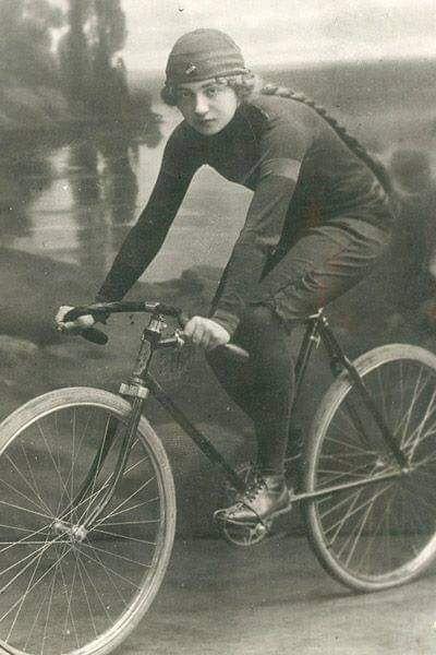 днём японские велосипеды старые фото продается конце