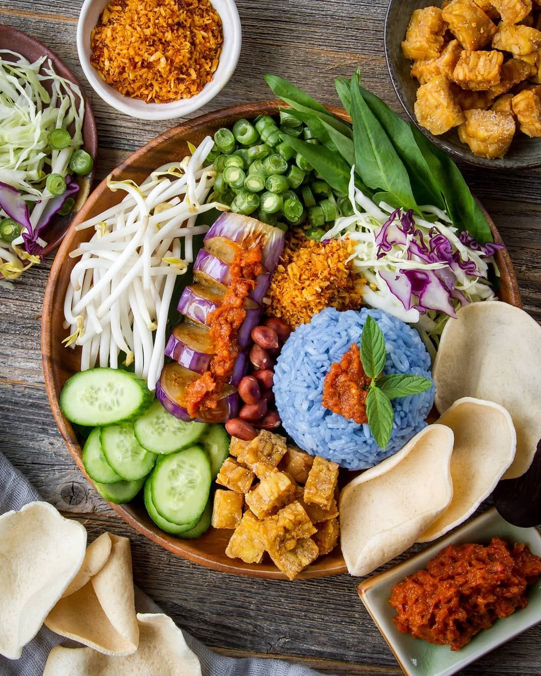 Woonheng On Instagram Nasi Kerabu A Traditional Malay Rice Dish Happy Weekend Friends Nasi Nasi Kerabu Rice Dishes Easy Stovetop Chili Recipe