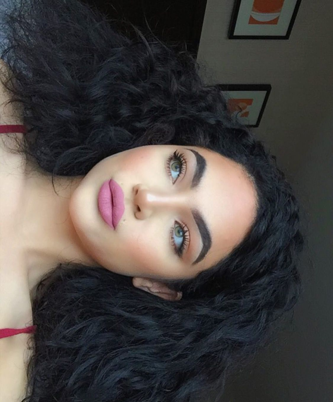 Maryori Funez Ig Baddie Model Green Eyes Curly Black Hair Makeup