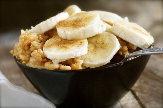 Brown Rice Banana Pie Breakfast via @Marly | Namely Marly #bananapie