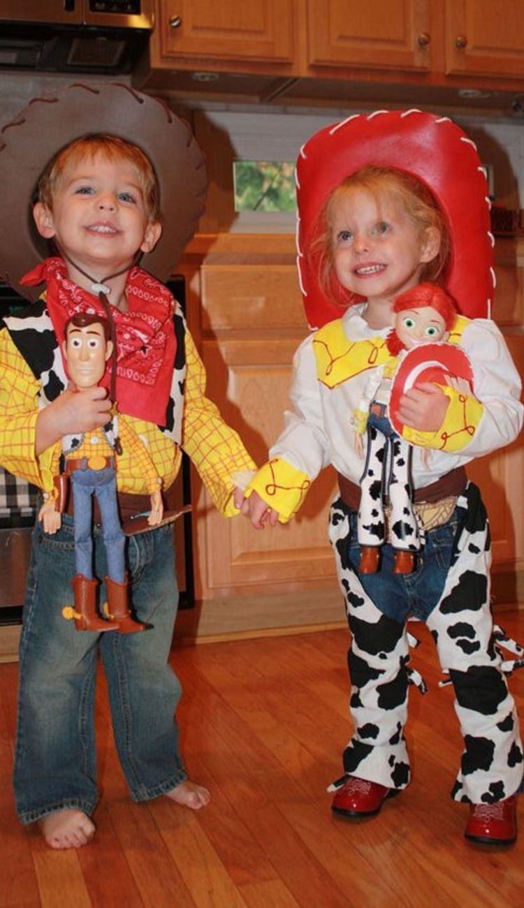 LOVE these Toy Story costumes! Woody and Jessie!  sc 1 st  Pinterest & Toy Story | Pinterest | Jessie Costumes and Toy