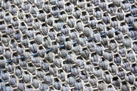 selber machen teppich aus alten t shirts hal lar pinterest teppiche selber machen und alter. Black Bedroom Furniture Sets. Home Design Ideas