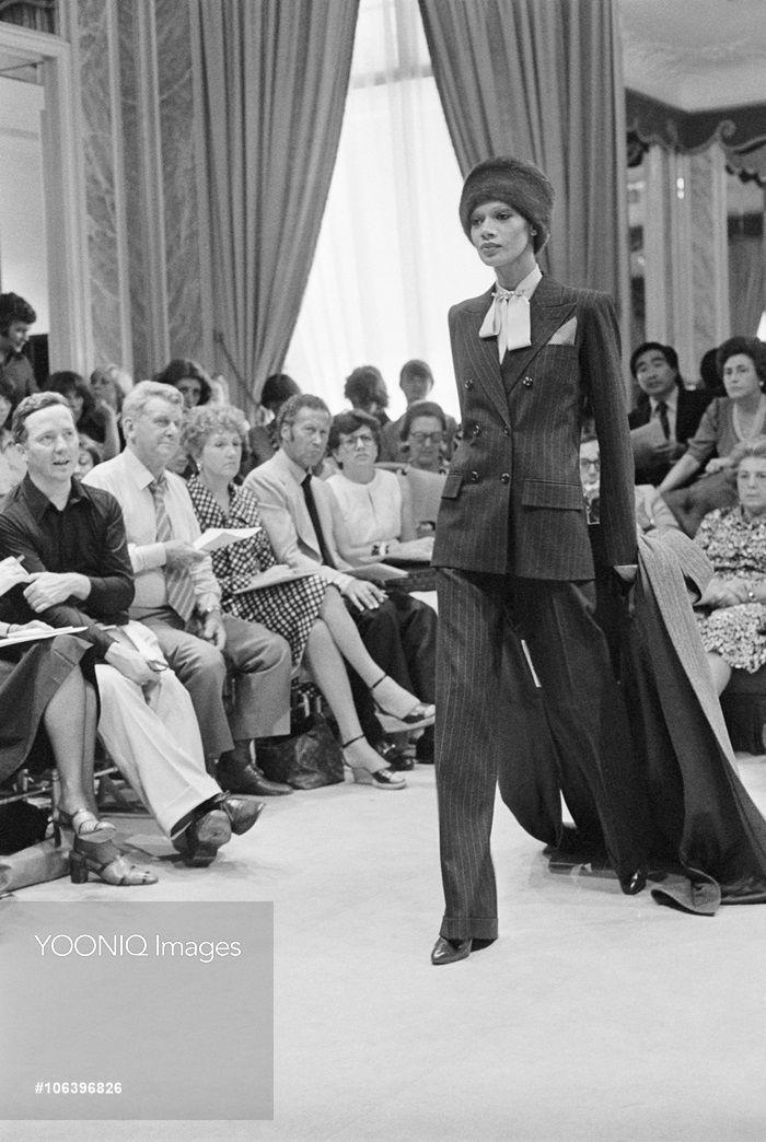 3159611bf8e Yves Saint Laurent Autumn-Winter 1975-1976 Fashion Show   Fashion ...