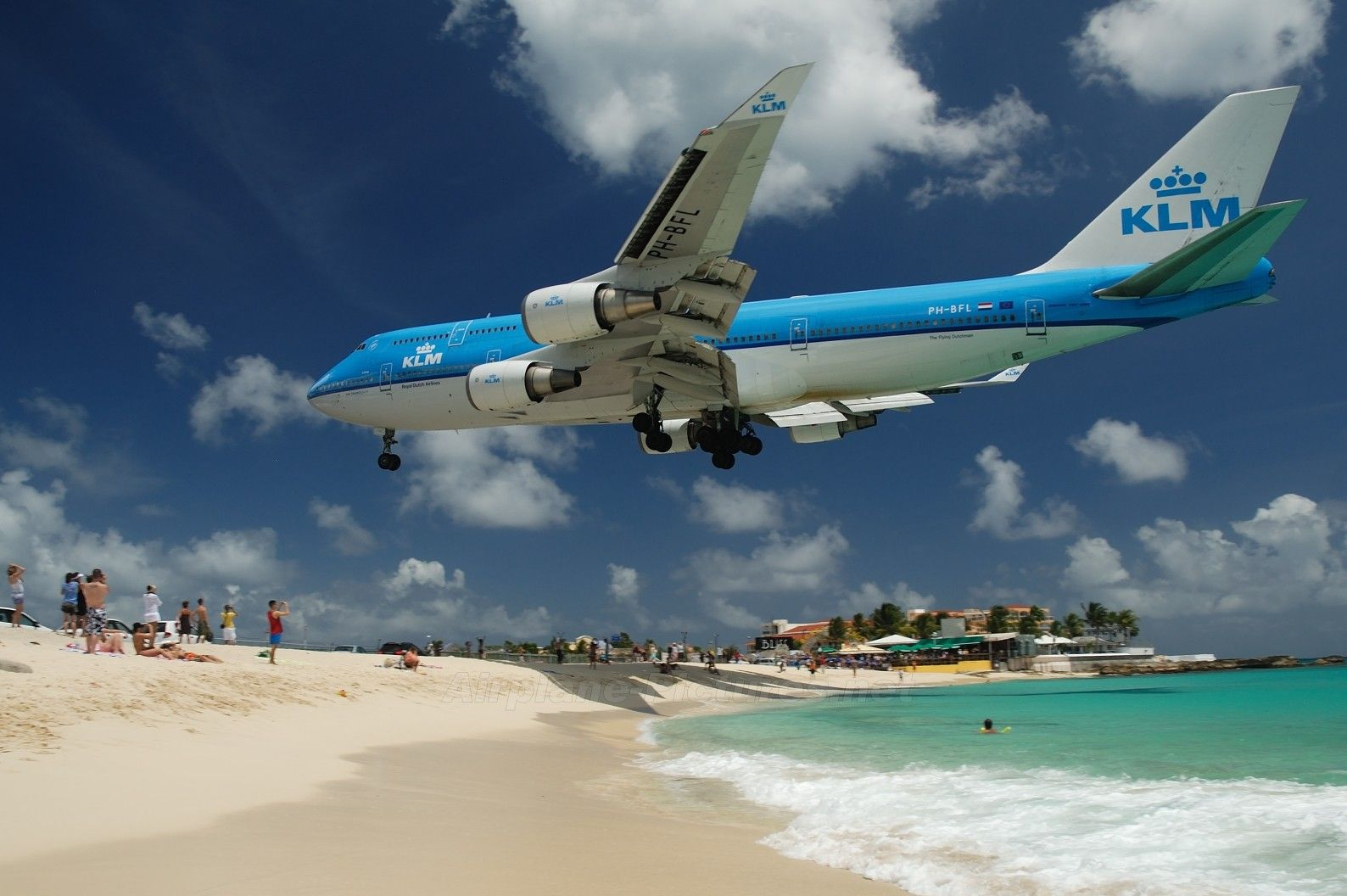 JetStreamTV 747 landing st maarten