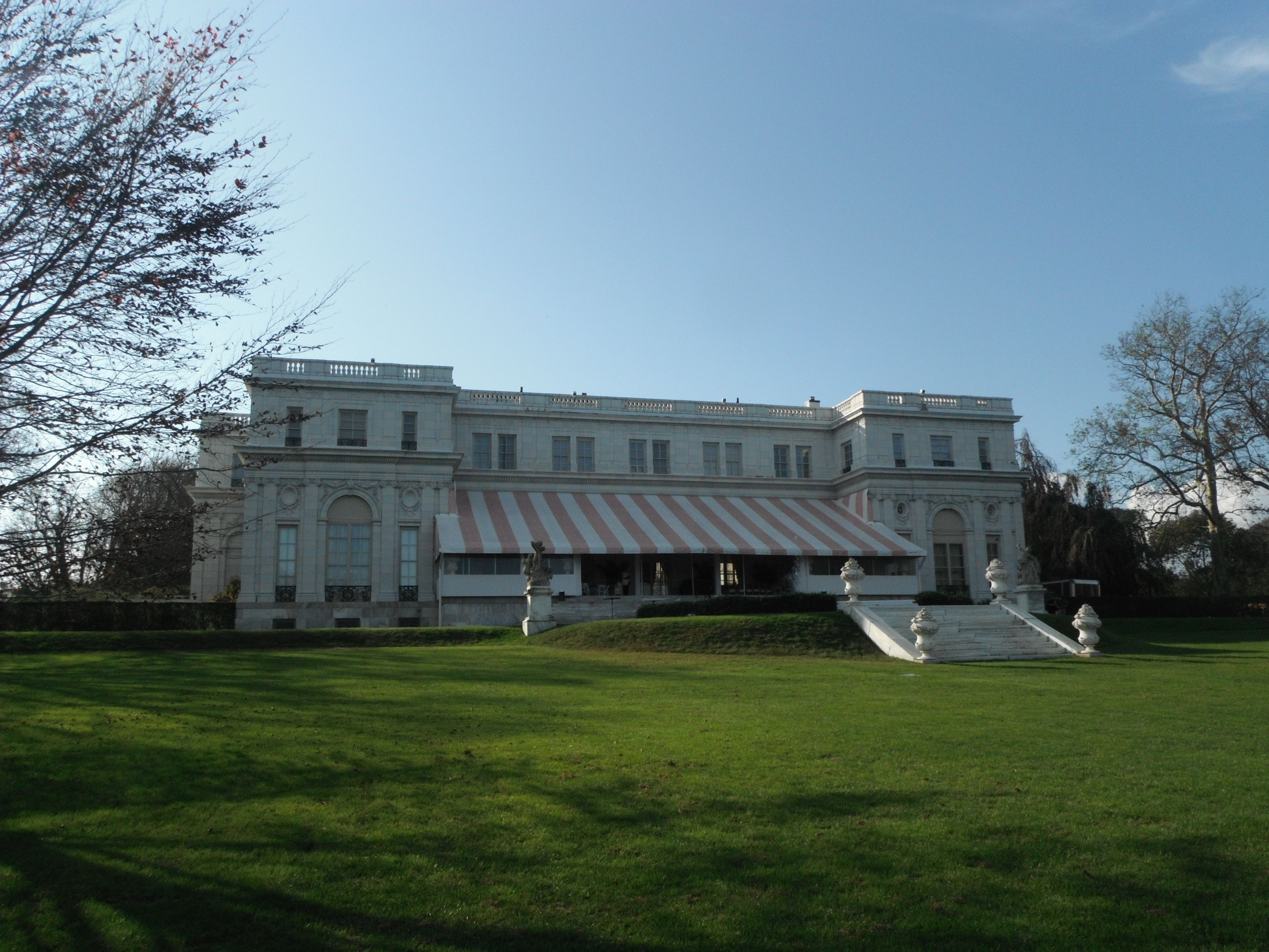 The Back Of Rosecliff Mansion Where High Society Partied And You