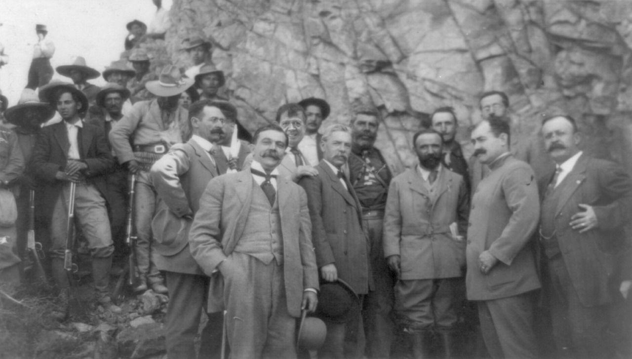 Chabelo El Inmortal Photo Politica De Mexico Historia De Mexico Revolucion Mexicana
