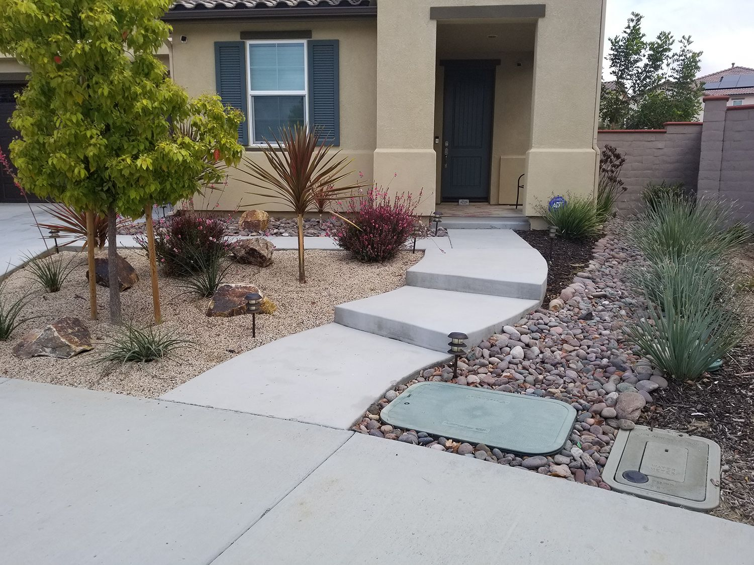 Desert Landscapes Stone Pathway Front Yard Landscaping