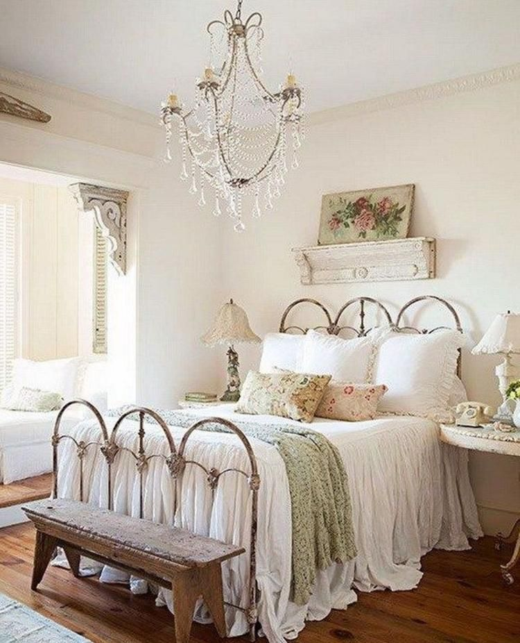 Decorating Your Cottage Bedroom With Shabby Chic Decor