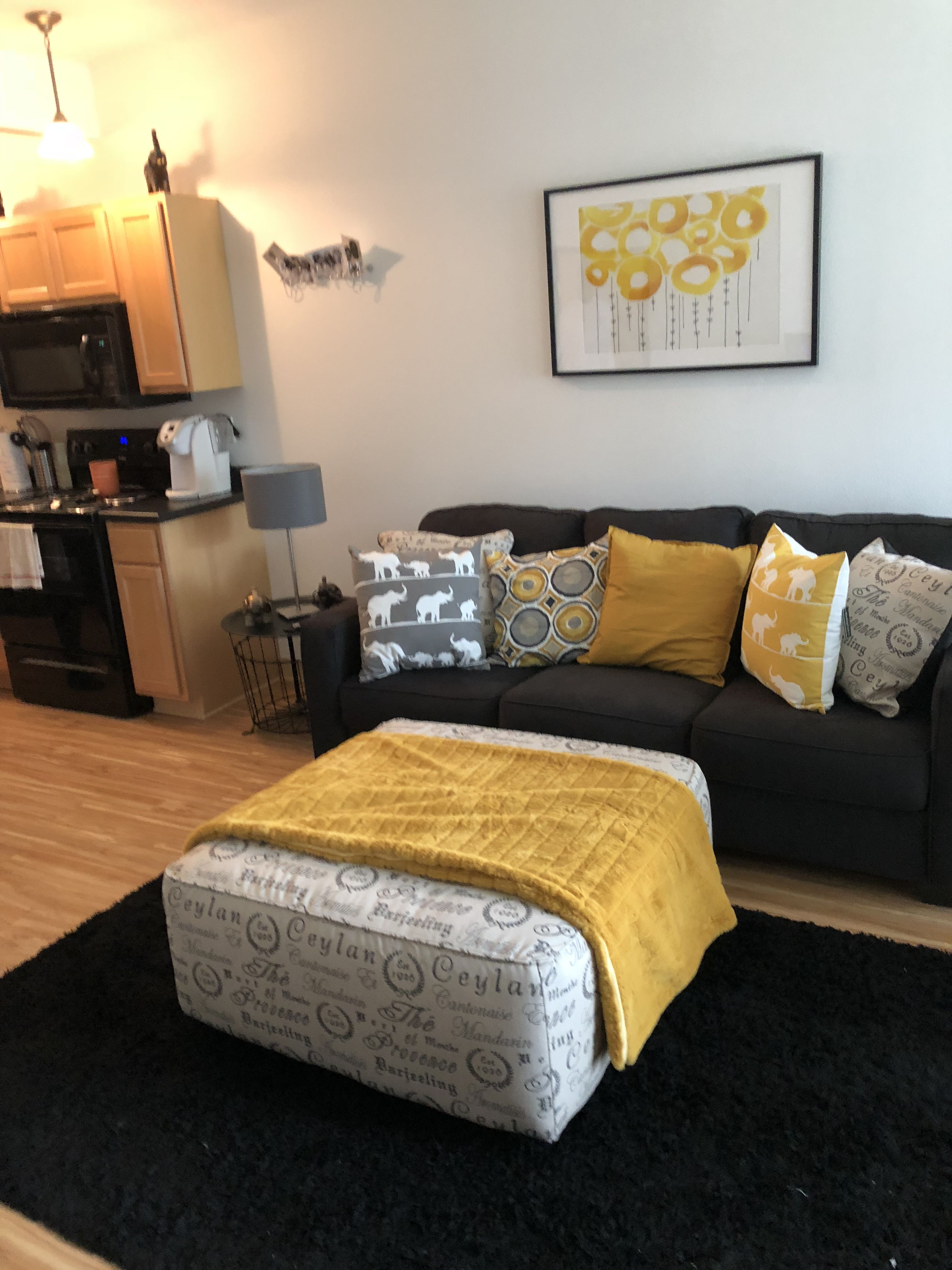 Gold And Gray Living Room: Bold Gold And Charcoal Gray Living Room