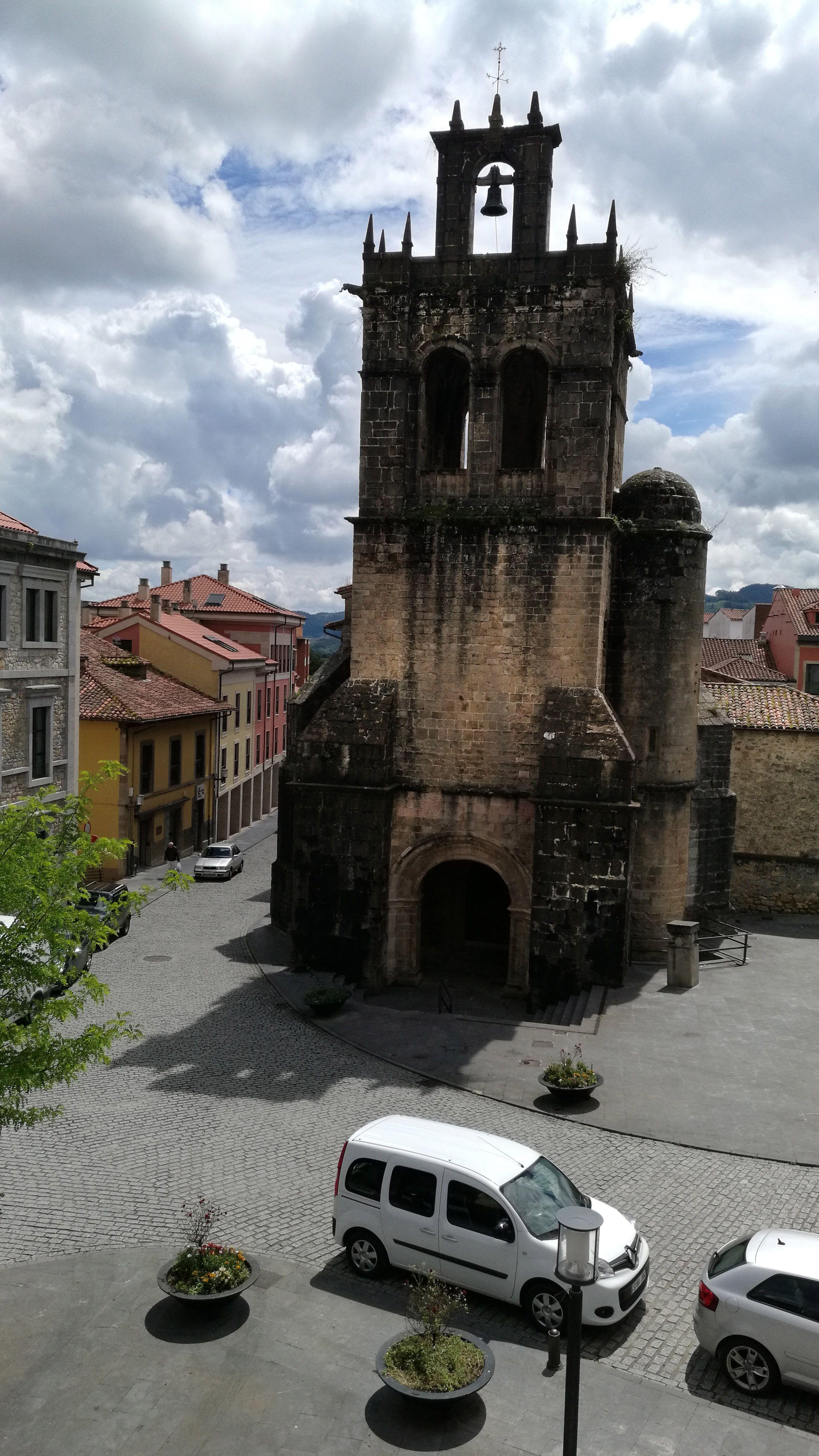 Iglesia de Salas