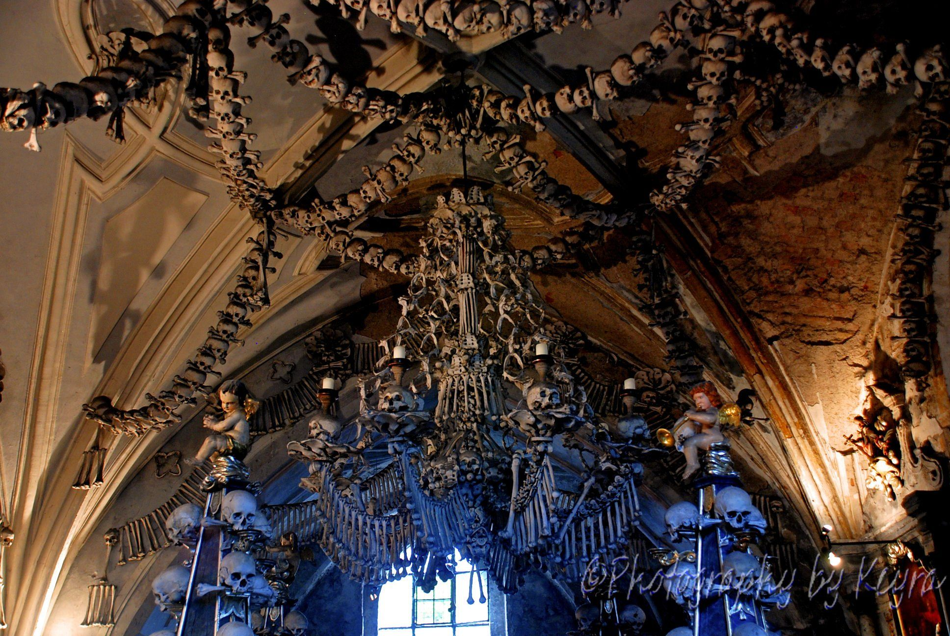 Sedlec ossuary kostnice sedlec the bone chandelier kutn hora sedlec ossuary kostnice sedlec the bone chandelier kutn hora czech republic http aloadofball Image collections