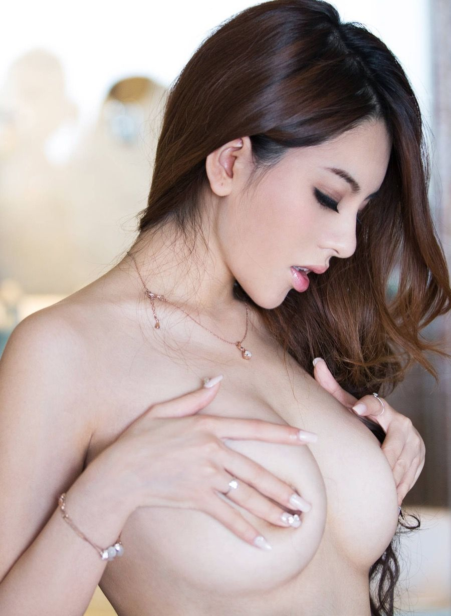 nude garl hot image