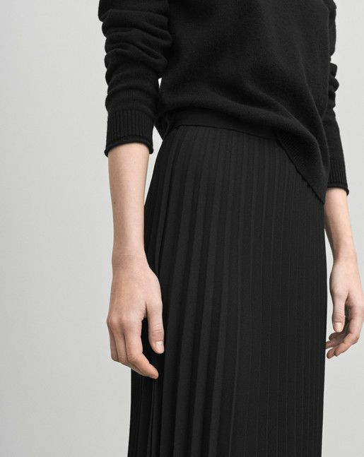 An unlined,luxe and graphic heavy plissé skirt with a slightly shaped bottom…