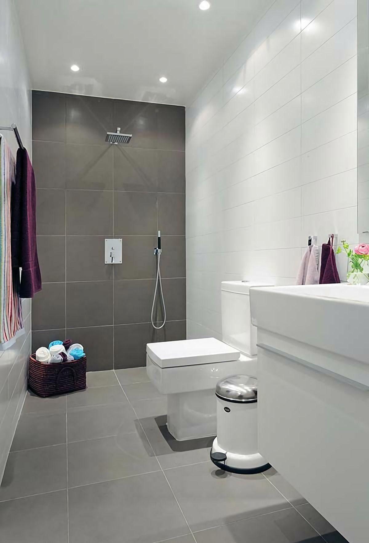 Badezimmer Design Und Installieren Sie Ein Dual Toilette Und Kleines Bad  Fliesen   Helle Fliesen