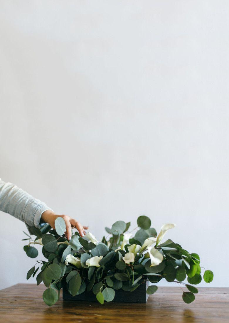 How To DIY a Modern Calla Lily Table Centerpiece | A Practical Wedding