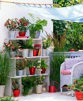 Jardines en espacios reducidos macetas materiales for Macetas para jardines pequenos