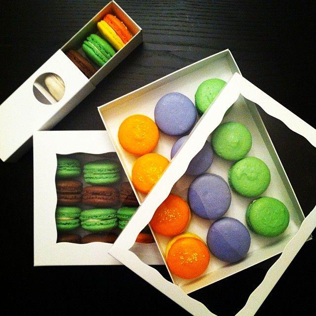 Macaron Boxes Flat 10x7 ---> http://www.brpboxshop.