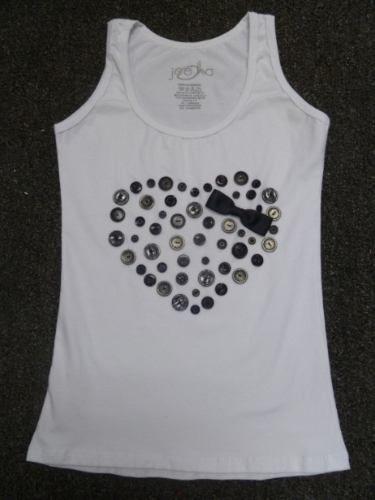 Resultado de imagen de camiseta decorada. botones  f3de8f589b09