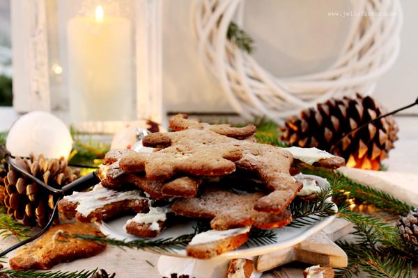 Bezglutenowe, migdałowo - gryczane świąteczne pierniczki, idealny deser na Boże Narodzenie