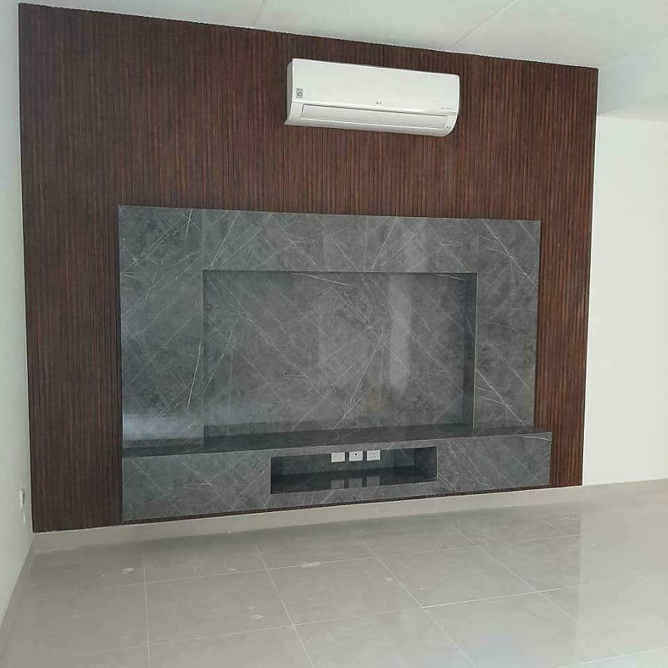 ديكور خلف التلفاز طاولة تلفزيون طاولات كونسول للتلفزيون طاولات قهوه ديكورات خلفية تلفزيون In 2021 Modern Bedroom Interior Modern Bedroom Bedroom Interior