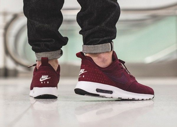 Nike Air Max Tavas Leather Night MaroonTeam Red Sail 3 in