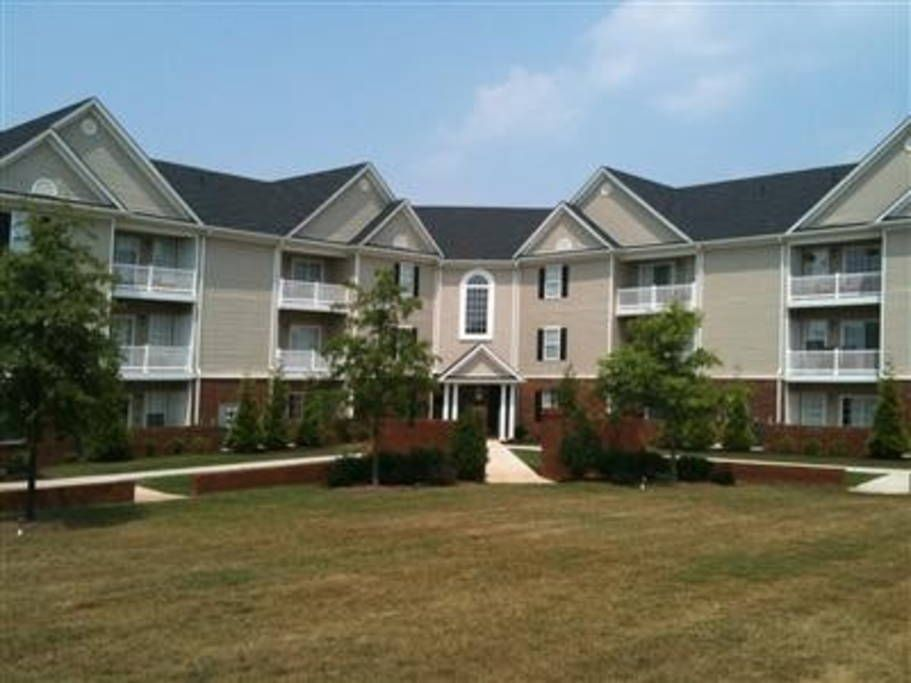Check out this awesome listing on Airbnb 2 Bedroom-No Stairs-WIFI - Terrace View Apartments Blacksburg