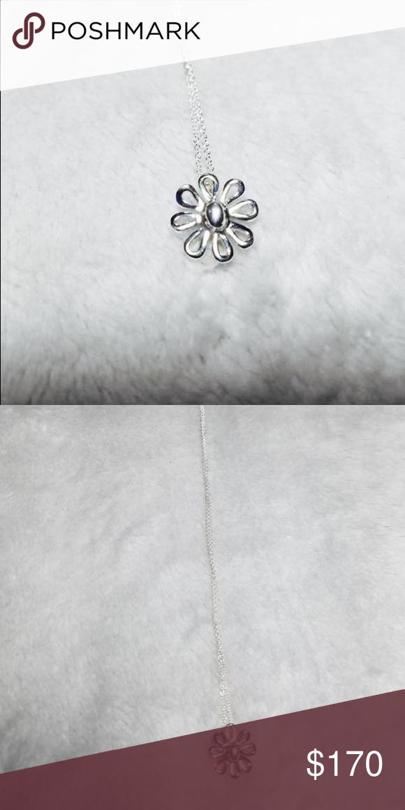 020363331 Tiffany&CoPaloma Picasso Flower Pendant Necklace Tiffany & Co.  Paloma Picasso Sterling Silver