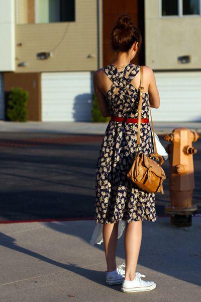 a879231e5057 dress and converse!