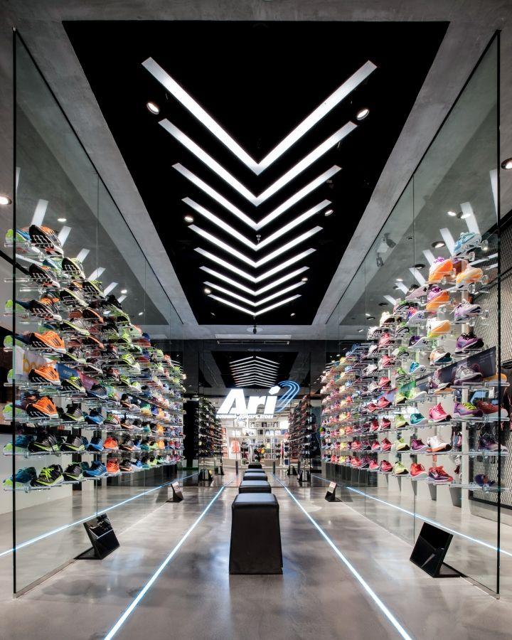 Ari Running Store By Whitespace Bangkok Thailand Retail Design Blog