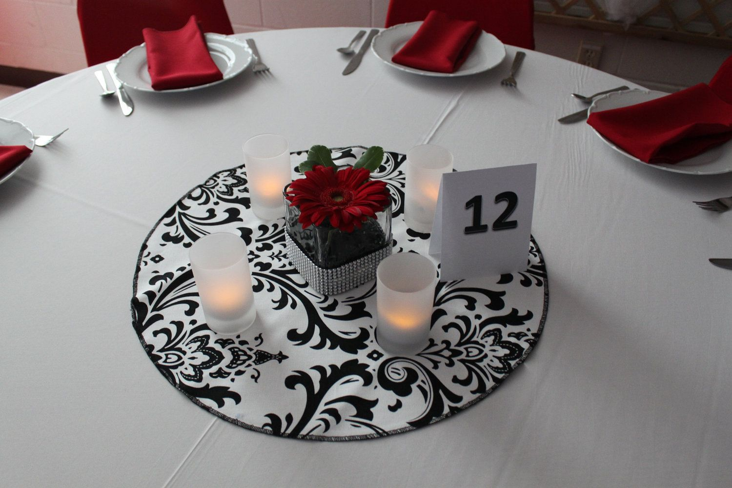 Damask table round for centerpieces cotton