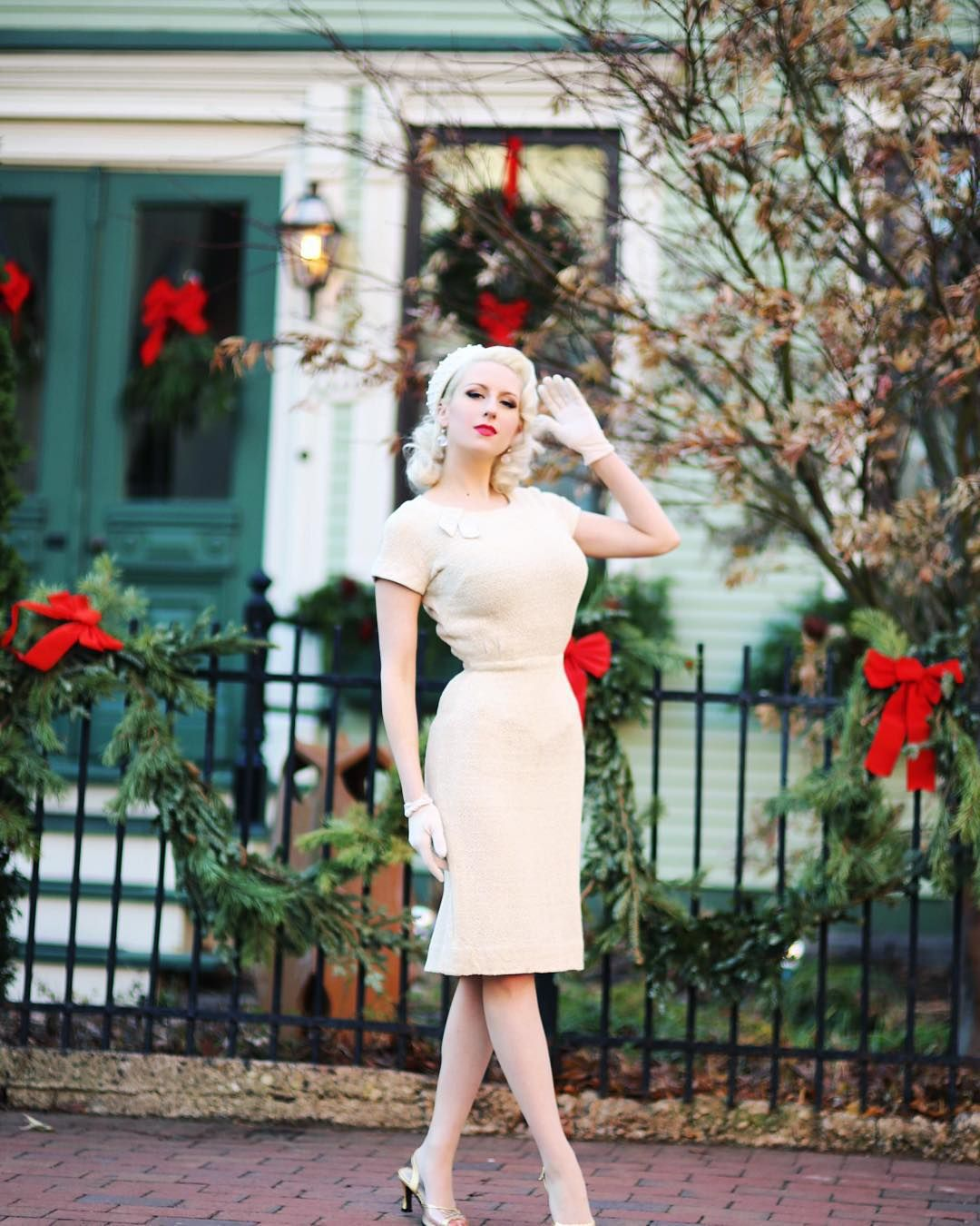 Vintage Glamour • Pinup • Style Blogger ✨ Designer at @AtelierJensen  ChicagoChicBlog@gmail.com  My latest style post: